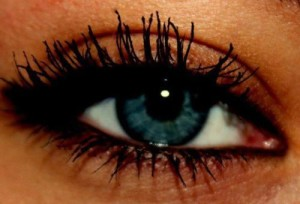 blue-eye-eyes-make-up-mascara-Favim.com-413623