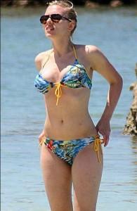 scarlett_johansson_bikini